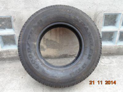 1 pneu 255x75x15 Riscado