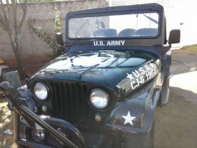 Vendo Jeep Militar verde