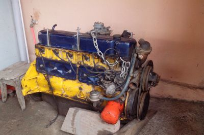 Motor 6 cilindros 4400cc