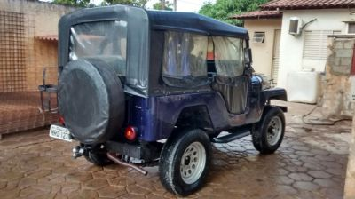 Jeep Willys 1977